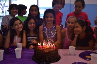 Gaby Party 338X225